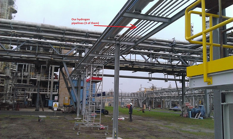 Monitored hydrogen steel rack pipes